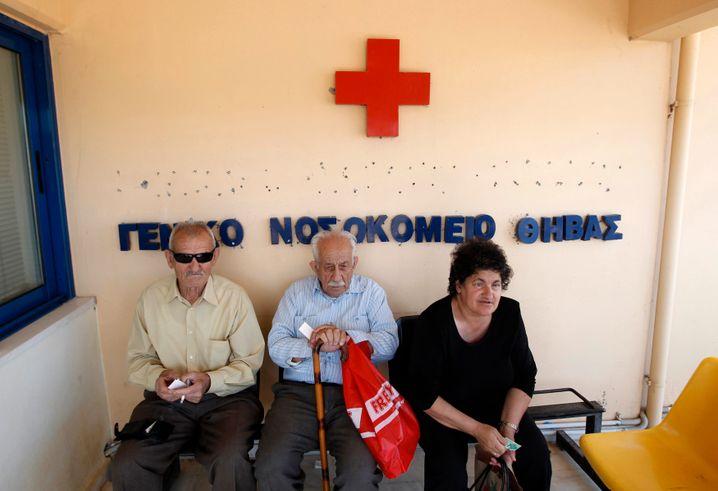 Krankenstation in Theben: Hohe Staatsschulden, niedrige private Kapitalreserven