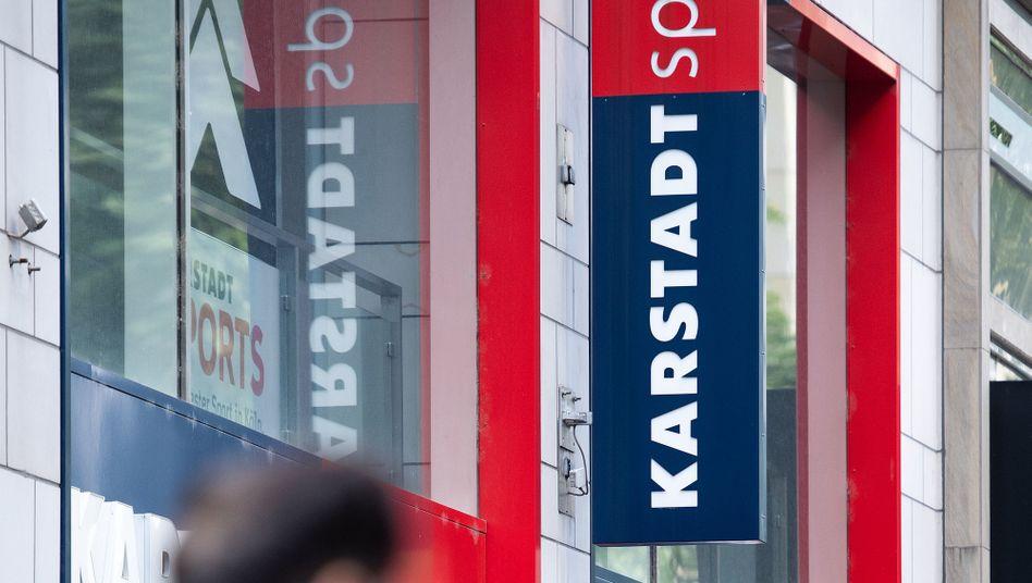 Loitz Stiftung an Karstadt Sport interessiert
