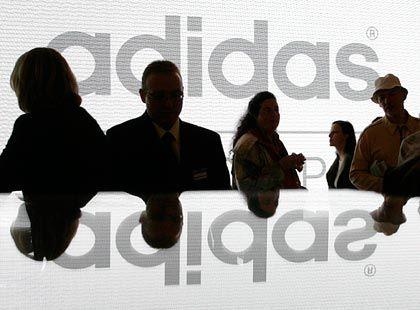 Adidas: Kooperiert bis 2012 mit der Uefa