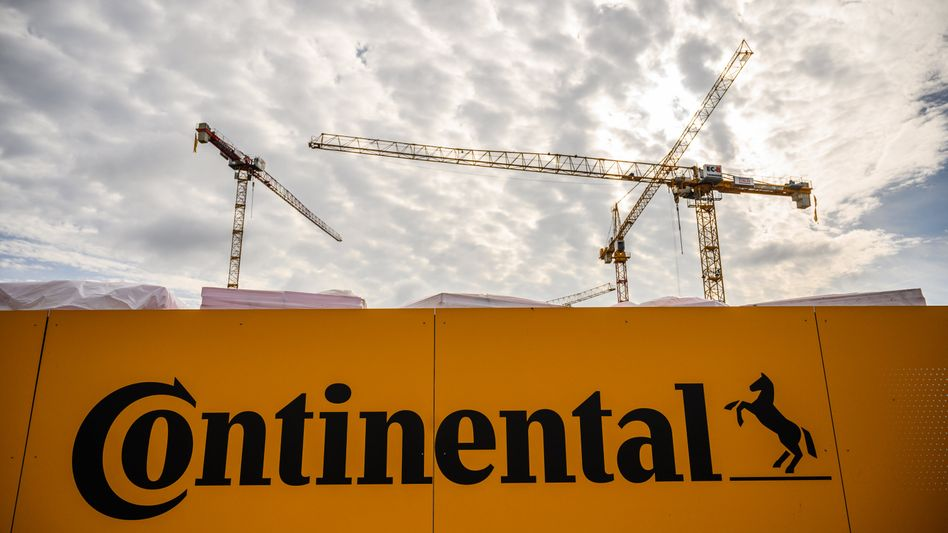 Bau der neuen Conti-Zentrale in Hannover: Trotz der rückläufigen Aufträge bestätigt der Autozulieferer seine Prognose für das Jahr