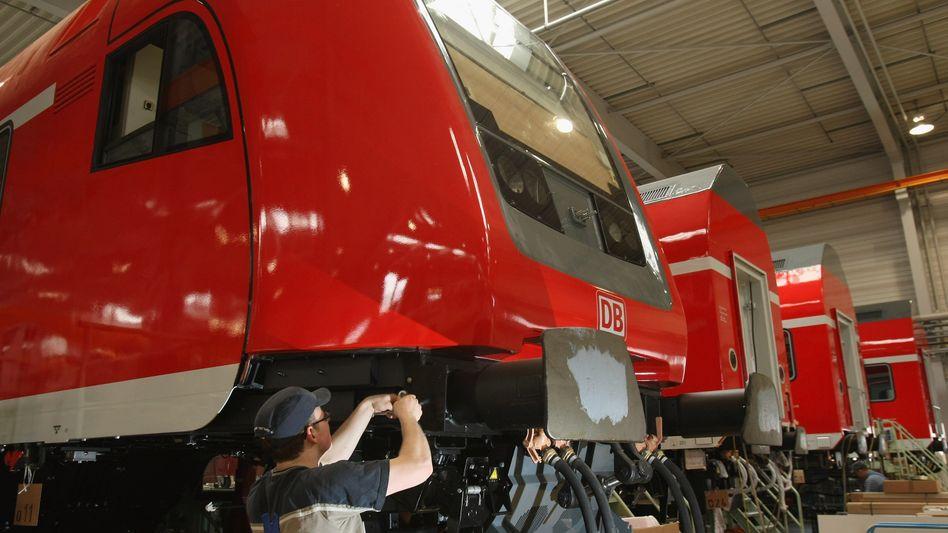 Montage bei Bombardier: Der kanadische Zughersteller hat insgesamt zehn Werke in Deutschland