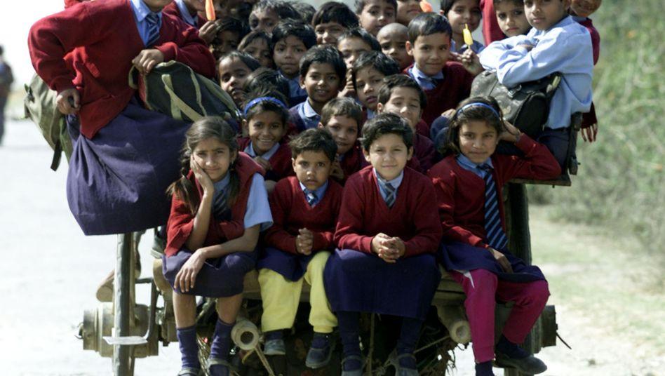 Schulkinder in Indien: Das südasiatische Land ist das zweitbevölkerungsreichste Land der Welt