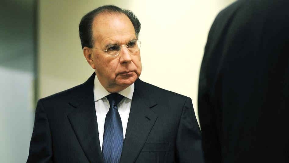 Ex-Siemens-Vorstand Uriel Sharef im Landgericht München: Sein Anwalt geht bereits nach wenigen Wochen in die Offensive