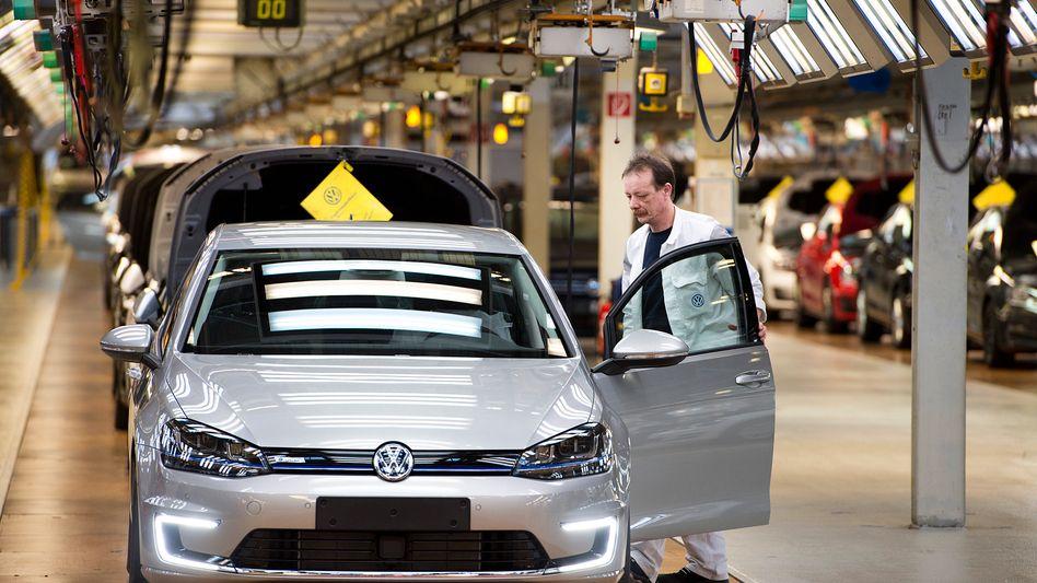 Ist nicht ganz so geworden, wie er sollte, zumindest auf dem US-Markt: Produktion des E-Golf in Wolfsburg.
