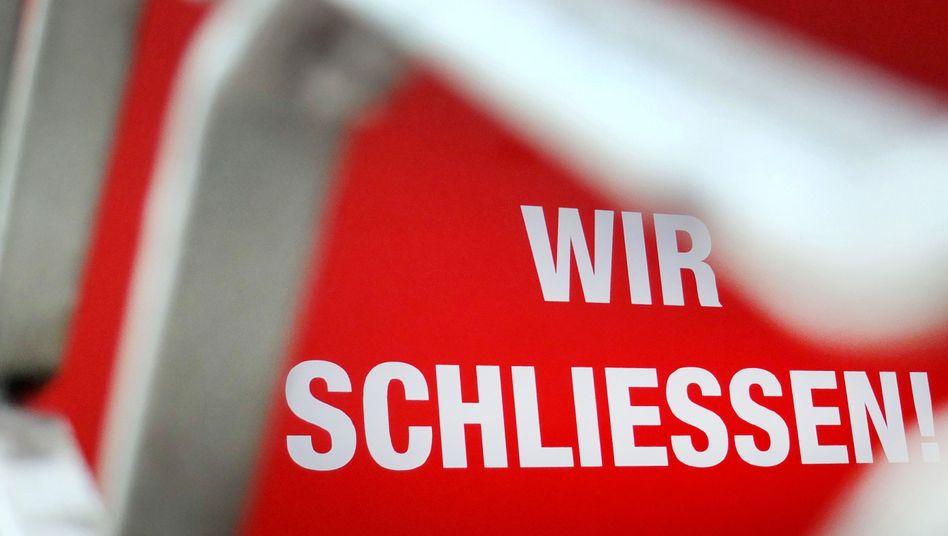 """""""Wir schließen"""": Geschäfte in Deutschland mit diesen Schilder waren 2019 seltener zu sehen in Deutschland"""