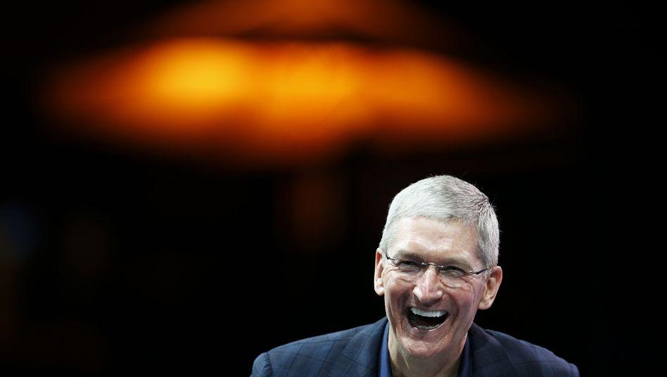 Oben angekommen: Seit Tim Cook im August 2011 den Chefposten vom schwer erkrankten Gründer Steve Jobs übernahm, verzeichnete Apple an der Börse ein Kursplus von 135 Prozent