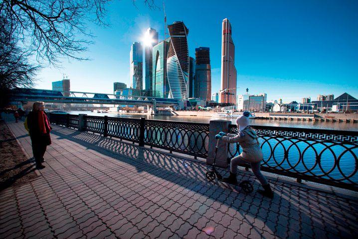 Zentrum von Moskau: Mit Besuchen und Diplomatie wollen deutsche Wirtschaftsbosse verhindern, dass ihre Russland-Geschäfte leiden