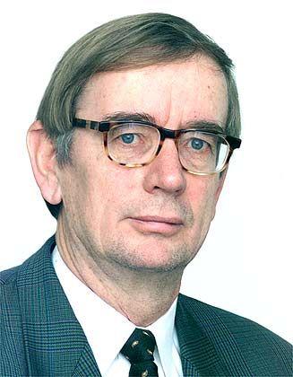 """Michel E. Domsch ist Professor am Institut für Personalwesen und Internationales Management (I.P.A.) der Helmut-Schmidt-Universität der Bundeswehr in Hamburg und Mitinitiator der Karriere-Plattform für Frauen """"Genderdax"""""""