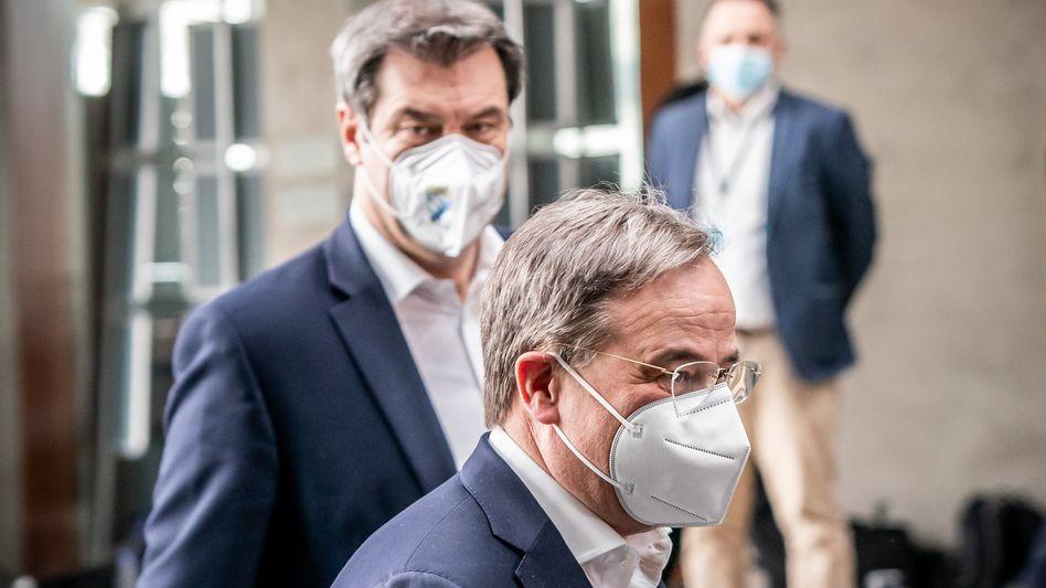 Wollen beide Unionskanzlerkandidat werden: Markus Söder (links), Chef der deutlich kleineren Schwesterpartei CSU und der CDU-Parteivorsitzende Armin Laschet