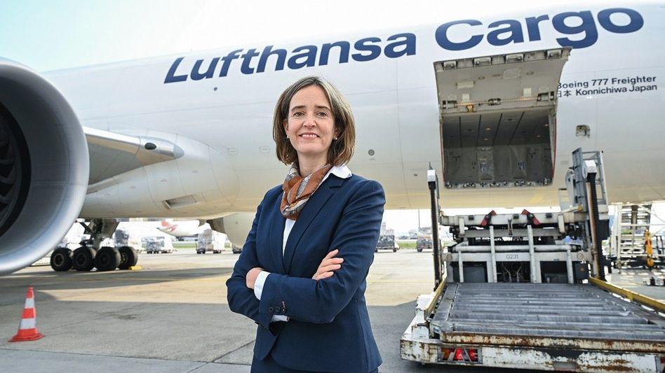 Startklar: Von der Strategie bis zum Bordservice – Dorothea von Boxberg kennt die Lufthansa von allen Seiten. Und zunehmend auch von oben.
