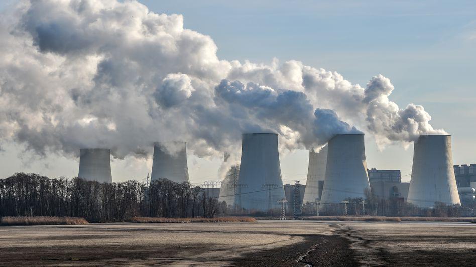 Braunkohlekraftwerk: Merkels Berater halten neuen Emissionshandel sowie eine CO2 Steuer für möglich