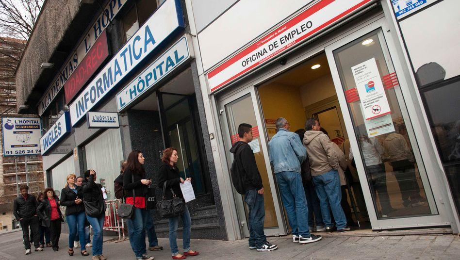 Lange Schlangen vor den Arbeitsämtern: 24,4 Prozent der Spanier sind arbeitssuchend gemeldet