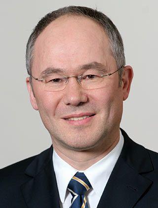 Frank Bulthaupt, Professor für Kapitalmärkte und Volkswirtschaftslehre an der Sparkassen-Hochschule in Bonn, schreibt regelmäßig für manager-magazin.de
