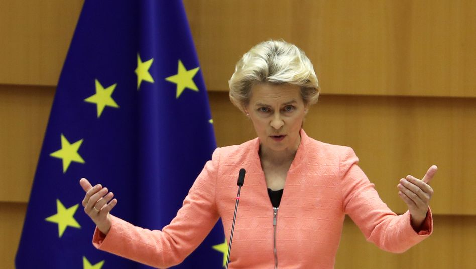 EU-Kommissionschefin von der Leyen bei ihrer Rede vor dem EU-Parlament