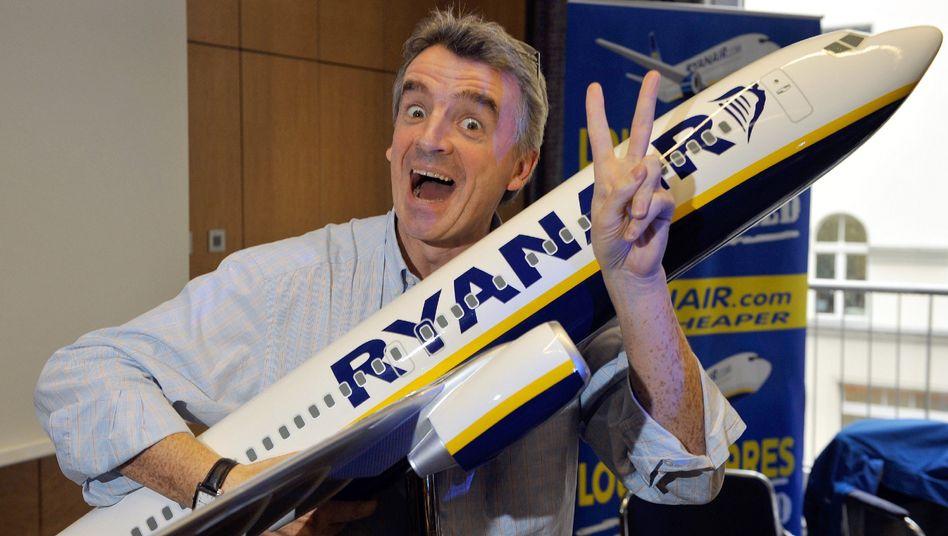 Auf Kuschelkurs mit den Kunden: Ryanair-Chef Michael O'Leary versucht seit einigen Monaten, das Image seiner Airline zu verbessern
