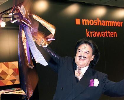Bunte Krawatten aus dem Hause Moshammer: Der Modeschöpfer zeigte seine Kollektion bei der Kölner Herren-Mode-Woche (Archivbild aus dem Jahr 2000)