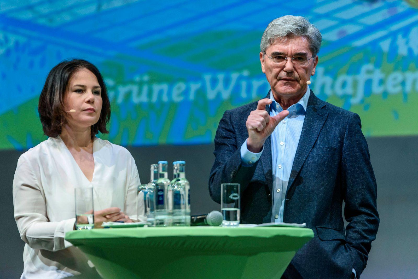 Parteivorsitzende Annalena Baerbock (Bündnis 90 /Die Grünen) und Joe Kaeser (Siemens AG) beim Grünen Wirtschaftskongres