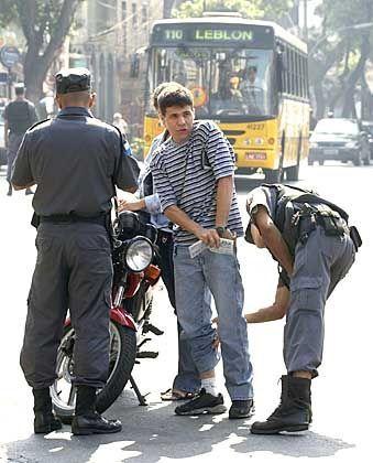 """Polizeikontrolle in Rio de Janeiro: """"Erhebliche Verluste müssen einkalkuliert werden."""""""