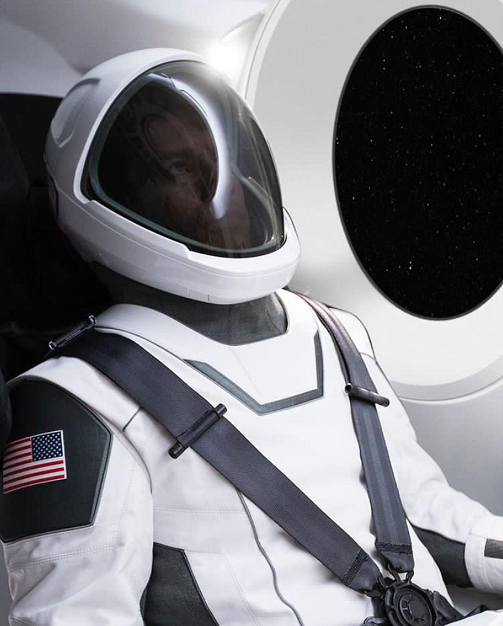 EINMALIGE VERWENDUNG SpaceX Raumanzug