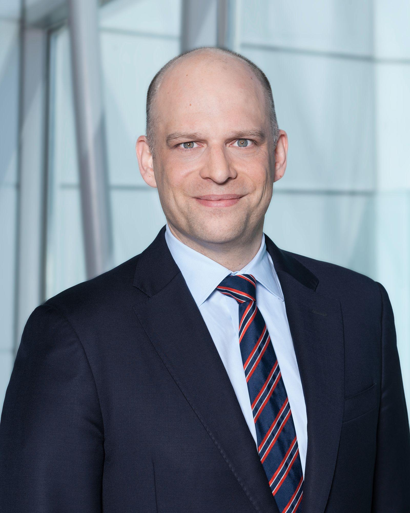 Dr. Marcus J. Chromik