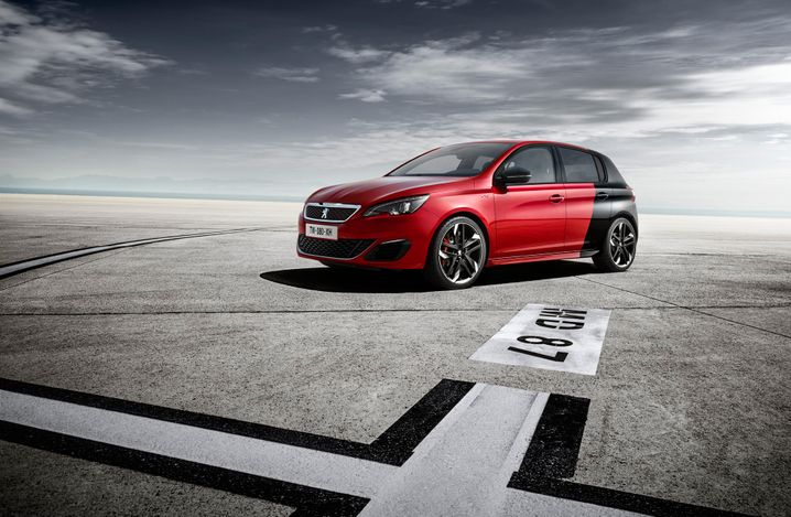 """VW-Golf-Gegner Peugeot 308: Dank solcher Modelle ist der Autohersteller nun """"zurück im Rennen"""", sagt PSA-Chef Tavares"""