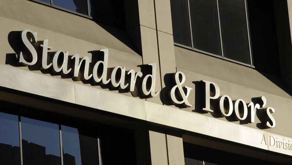 Dereit nicht gerade europafreundlich: Die US-Ratingagentur Standard and Poors droht mit einer Abstufung des Euro-Rettungsfonds