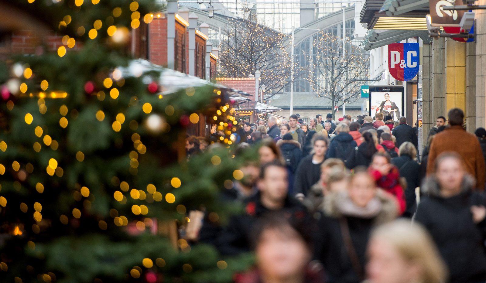 Einkauf / Shopping / Konsum / Advent