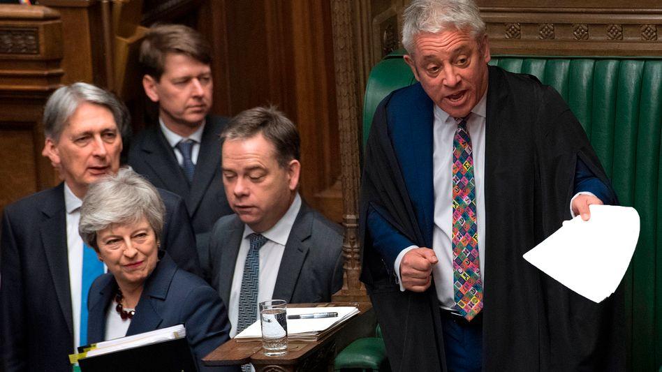 Theresa May (2.v. l.) und John Bercow (r.)