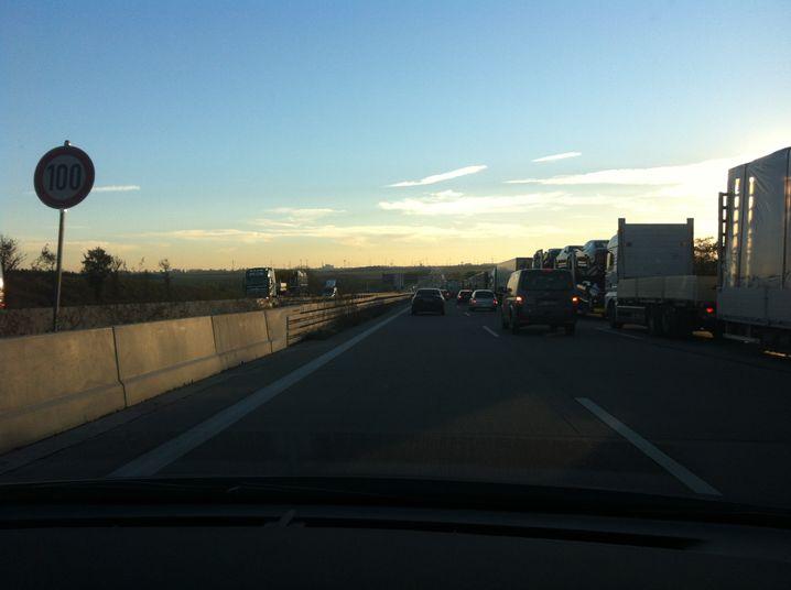 Langsam dem Ziel entgegen: Zäher Verkehr bei Leipzig