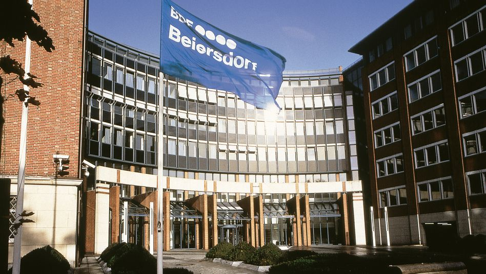 Beiersdorf-Zentrale in Hamburg: Warmer Empfang für Heidenreich