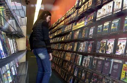 Konsum ausloten: Optisch sind die Filme in der Videothek günstiger