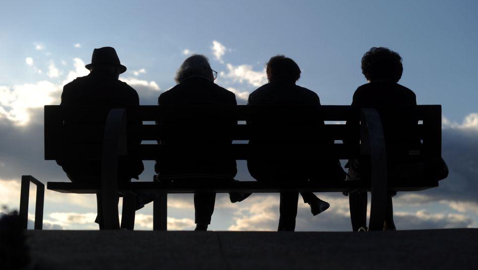 Angst vor Altersarmut: Jeder fünfte Berufstätige rechnet damit, im Alter nicht genügend Geld für den Lebensunterhalt zur Verfügung zu haben