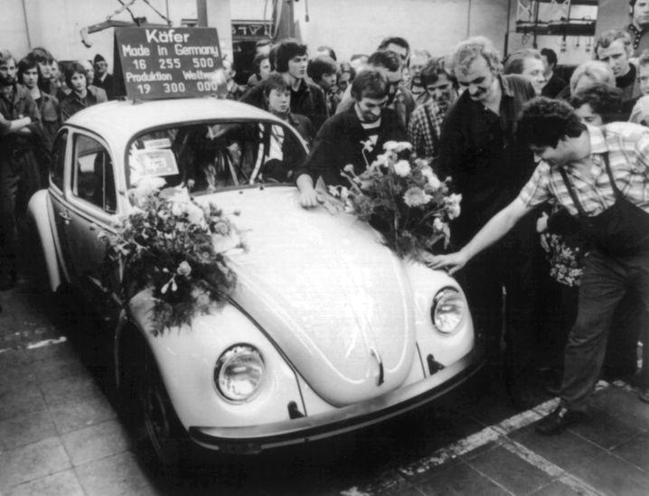 """Nicht zuletzt Volkswagen gilt als Aushängeschild für deutsche Wertarbeit, mit der deutsche Produkte über Jahrzehnte und auch jetzt noch im Ausland punkten. Diesen Nimbus """"Made in Germany"""" und damit auch die deutsche Exportwirtschaft sehen Wirtschaftsforscher durch den VW-Abgasskandal jetzt gefährdet"""