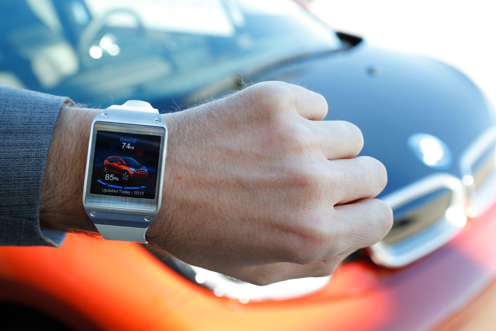 BMW Elektroauto i3 / Galaxy Gear