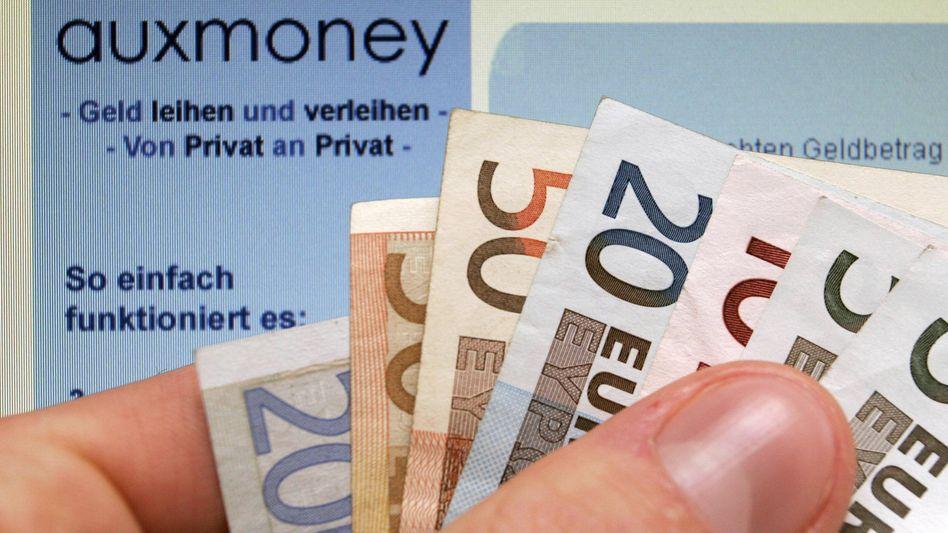 Online-Kreditplattformen wie Auxmoeny machen Banken das Geschäft der Kreditvergabe mittlerweile streitig. Größere Investoren entdecken die Plattformen mittlerweile auch als Anlageobjekt