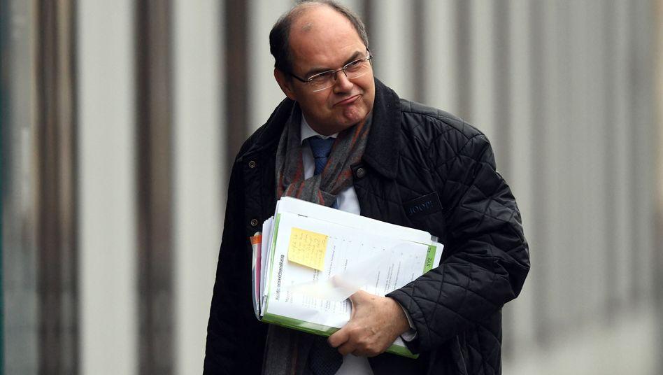 Muss er gehen? Bundeslandwirtschaftsminister Christian Schmidt (CSU) dürfte sich der politischen Tragweite seiner einsamen Entscheidung von Anfang an bewusst gewesen sein