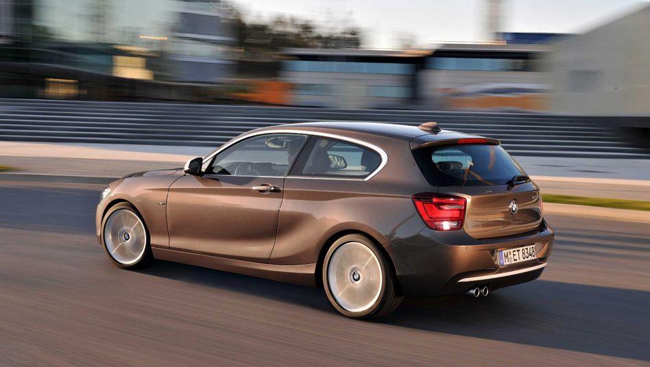 BMW 1er: Der Autobauer lässt die Wettbewerber Audi und Mercedes hinter sich und schwört seine Mitarbeiter auf einen anhaltend harten Wettbewerb ein
