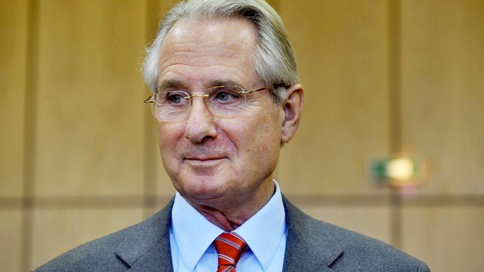 Klaus Zumwinkel: Der frühere Aufsichtsratschef der Deutschen Telekom hat sich ebenso wie Ex-Konzernchef Kai-uwe Ricke mit dem Unternehmen auf einen Vergleich geeinigt