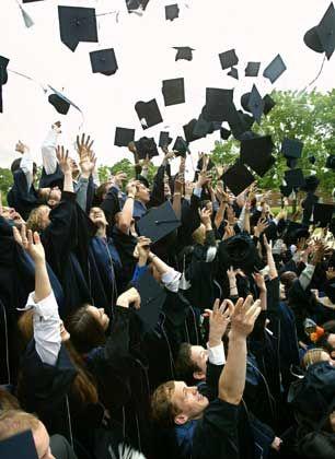 Alles in Ordnung: Diese glücklichen MBA-Absolventen haben ihren Titel zu Recht erhalten