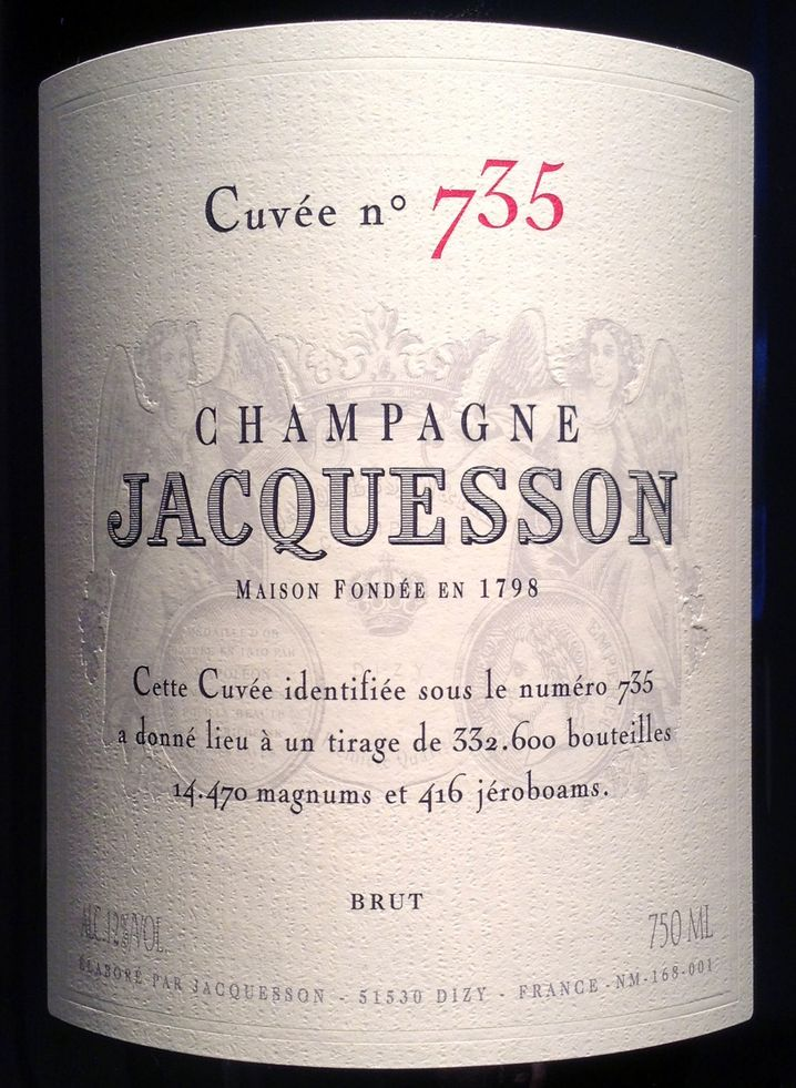 Cuvée 735 brut: Jacquesson, Dizy (28 Hektar, Flaschenproduktion insgesamt 300.000), www.champagnejacquesson.com; EVP 39,50 Euro. Trauben: 47 Prozent Chardonnay, 33 Prozent Pinot Noir, 20 Prozent Pinot Meunier. Bezugsquelle: Vin sur Vin, Telefon 030-69519920, ww.weine-visentin.de.