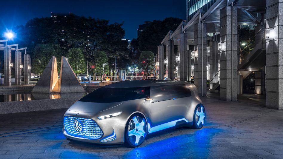 """Dieter Zetsche musste zugeben: """"Apple und Google (in Bezug auf Autobau) können mehr, als Daimler dachte"""""""