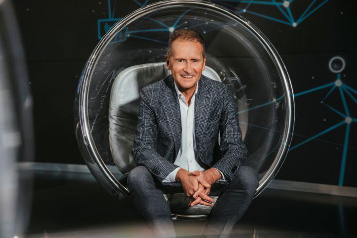 Startprobleme: VW-Boss Herbert Diess (im Bild) setzt ebenso wie seine Kollegen Ola Källenius und Oliver Zipse für die Zukunft auf Softwareeinnahmen