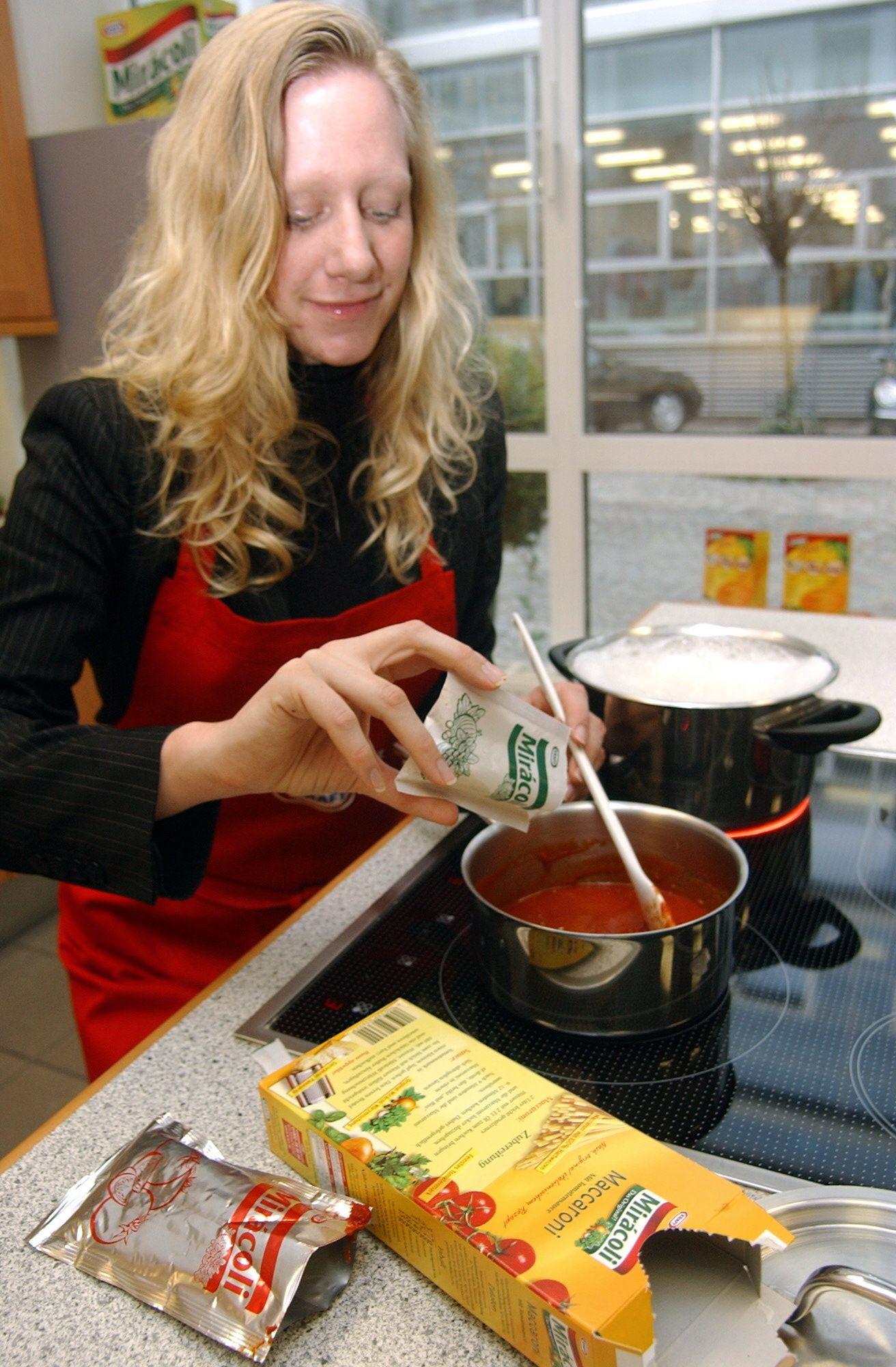 NICHT VERWENDEN Miracoli / Kraft Foods / Nudeln / Spaghetti mit Tomatensoße / Pasta