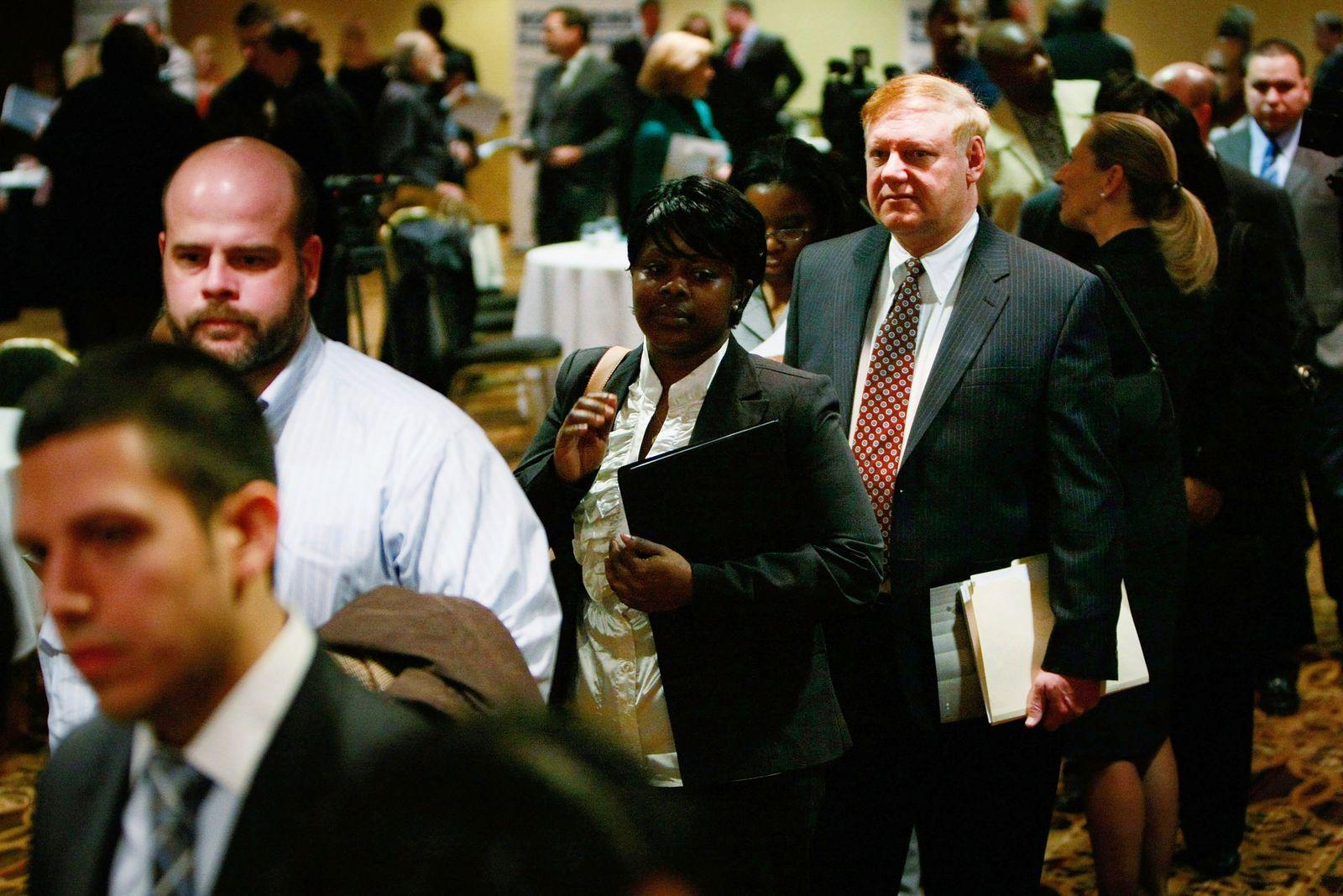 Suburban Virginia Holds Career Fair