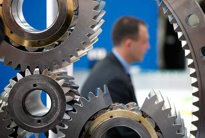 Zarter Optimismus: Unternehmer hoffen, dass das Räderwerk der Wirtschaft bald wieder ins Laufen kommt