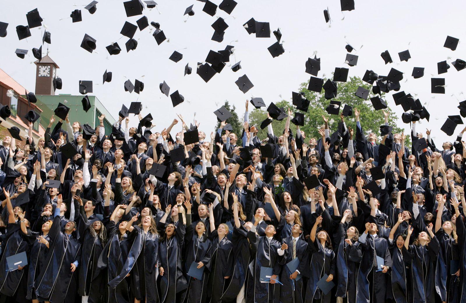 Hüte werfen Universität