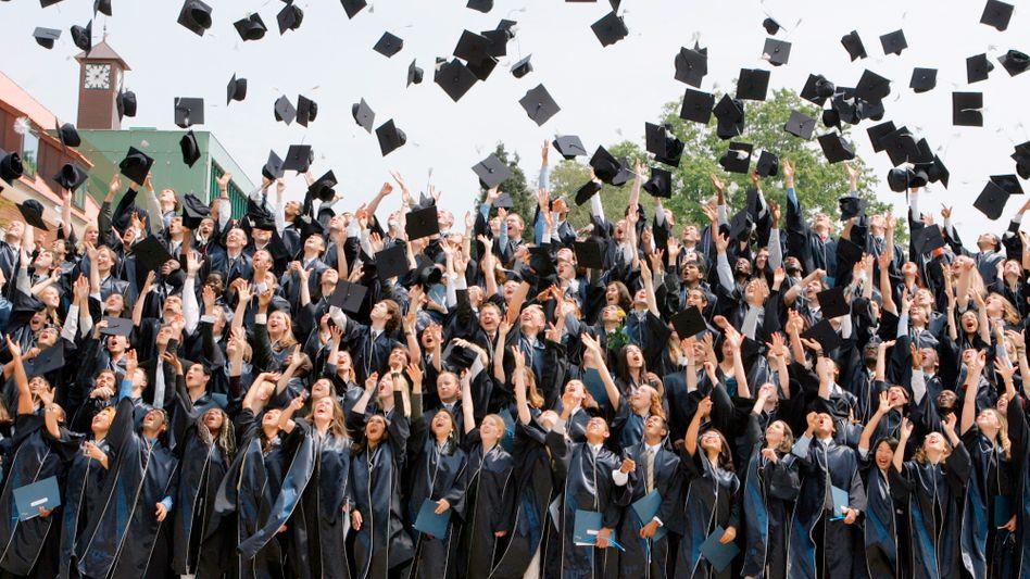 Abschlussfeier: Der Weg dorthin ist lang und teuer - zumindest in den USA