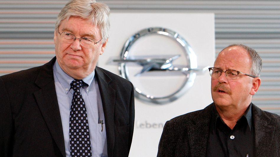 Mehr Macht für Rüsselsheim: Opel Chef Nick Reilly (l.), Betriebsratschef Klaus Franz