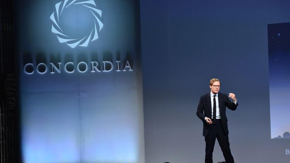 Alexander Nix: Der Chef des Big-Data-Polit-Beraters Cambridge Analytica nutzt die Gunst der Stunde