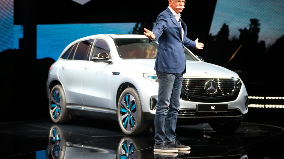 Daimler-Chef Dieter Zetsche: Gewinnprognose für 2018 gesenkt